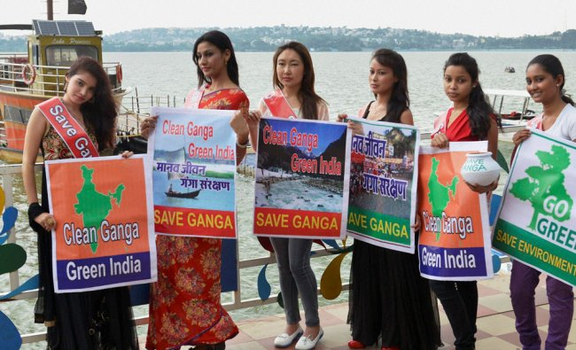 Models take part in awareness campaign \'Save Ganga and Green India\' in Bhopal ...