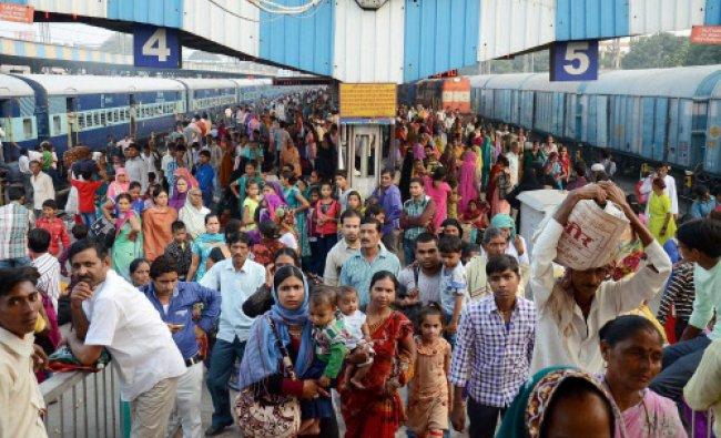 Rush at Moradabad Railway Station on the eve of Bhai Dooj