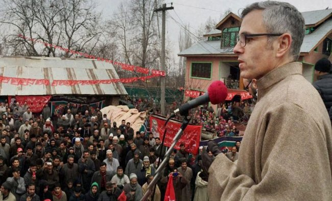 National Conference working president Omar Abdullah addressing a rally at Beerwah...