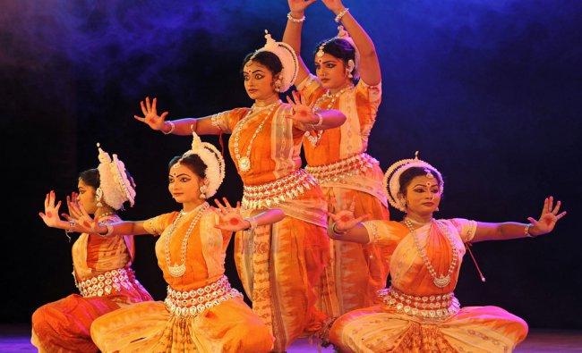 \'Suravi Odissi dance students presenting Odissi dance at the Naman, a festival of Odissi dance...