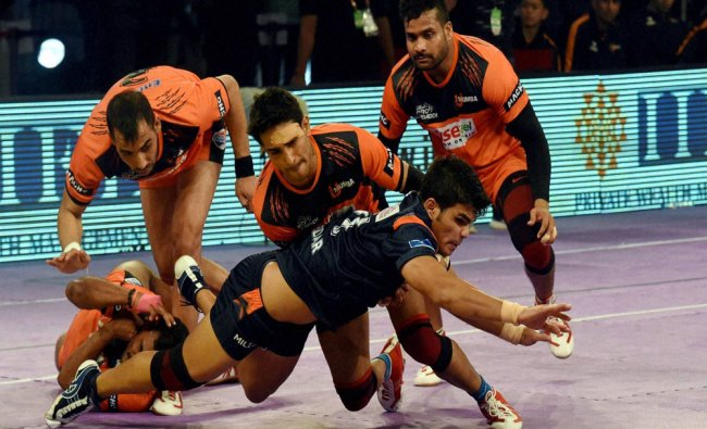 Players of Bengal Wariors Blue and U Mumba in action during the Pro Kabaddi League match...
