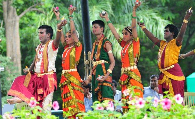 Ramana Maharshi Ashrama blind students performing bharathanatyam during \'no vehicle day\' at Cubbon..