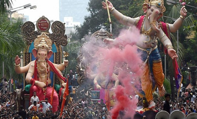 Ganesh idols are taken to the pandals ahead of Ganesh Chaturthi festival ...