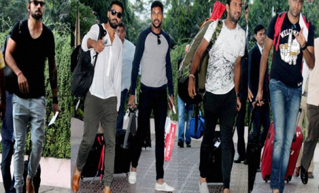 India\'s captain Virat Kohli, Varun Aaron, Murli Vijay, Cheteshwar Pujara, Ravichandran...