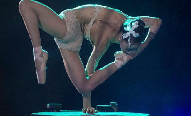 Mongolian artiste Heejin Diamond performs during the 11th Circus Festival of Budapest in the...