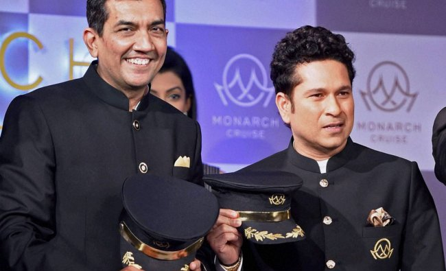 Sachin Tendulkar with Chef Sanjeev Kapoor during the announcement of the opening of bookings...