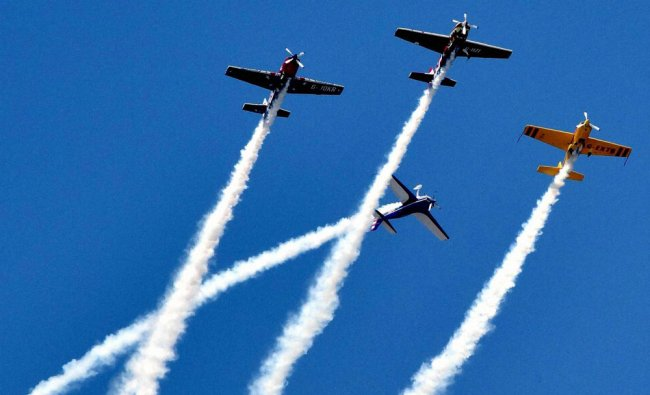 Global Stars team gives aerobatic performance with four extra 330SC aircrafts...
