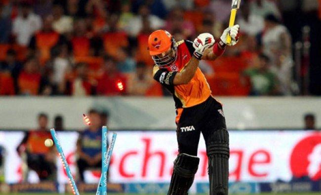 Naman Ojha of Sunrisers Hyderabad is bowled by Ashok Dinda of Rising Pune Supergiants...