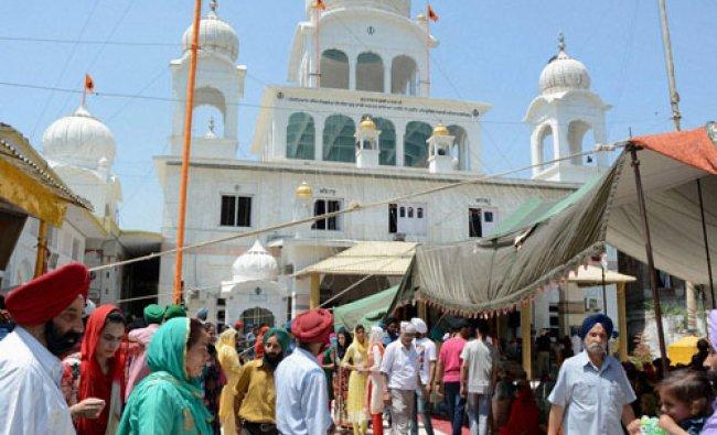 Sikh devotees at Chatti Padshahi Gurudwara during the celebrations of the birth anniversary...