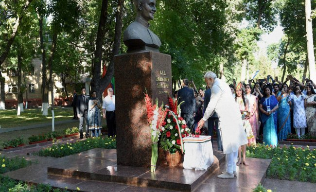 Modi paying floral tributes at the bust of former Prime Minister Lal Bahadur Shastri...