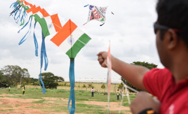 Kite club India fly\'s 300 kite during Kite festival 2016 as the part of Income Declaration...