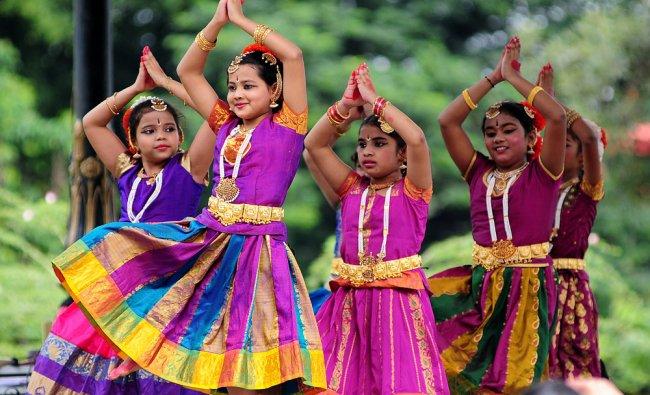 \'Nritya Disha Trust\' students presenting Bharatanatya dance during the no vehicle day at Cubbon...