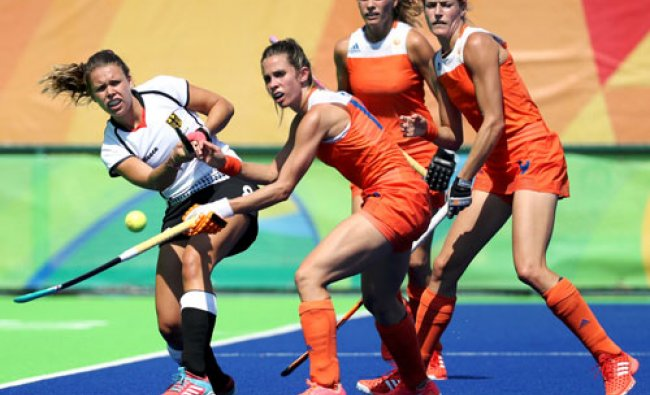 Women\'s Semifinal Match Netherlands v Germany - Olympic Hockey Centre - Rio de Janeiro, Brazil ...