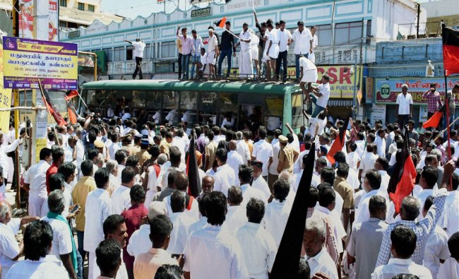 DMK cadres being detained who were staging a rail roko the Cauvery water row in Madurai...