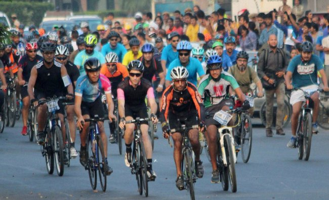 Cyclists take part Cyclothon 2016 held on world car free day in Gurgaon...