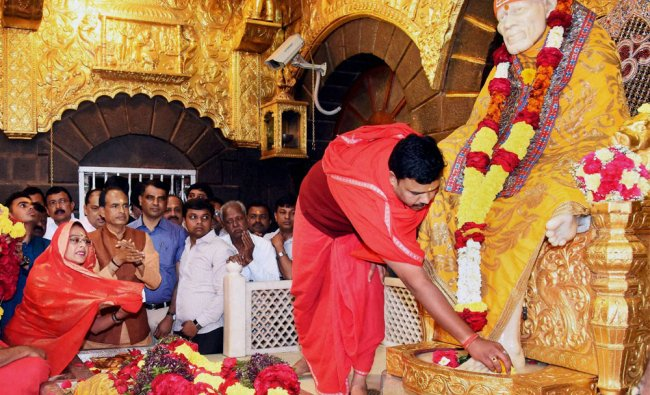Madhya Pradesh Chief Minister Shivraj Singh Chouan along with family paying obeisance at Saibaba...