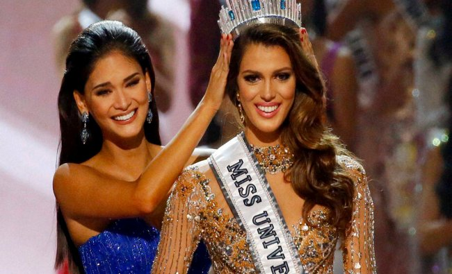 Iris Mittenaere of France is crowned the new Miss Universe 2016 by 2015....