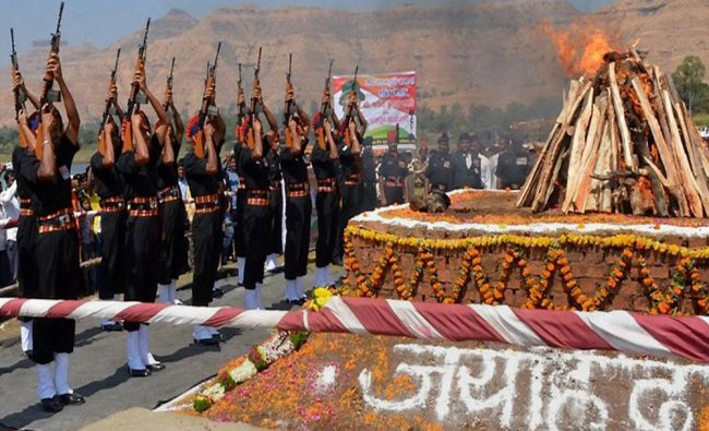 Soldiers paying gun salute to Sepoy Ganesh Dhavale who was killed in an avalanche...