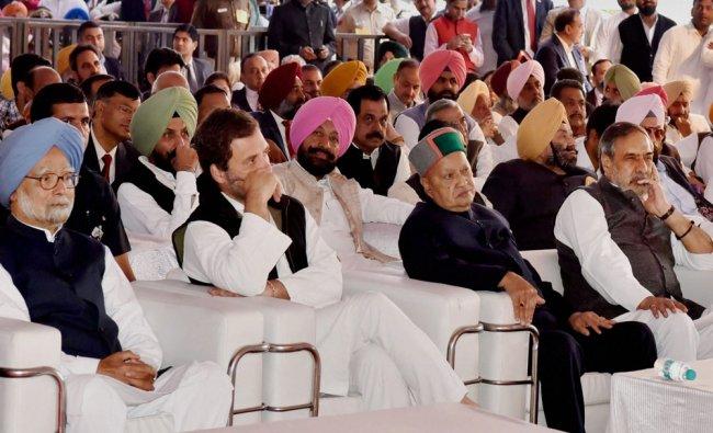 Former Prime Minister Manmohan Singh, Congress Vice President Rahul Gandhi, Himachal Pradesh Chief..