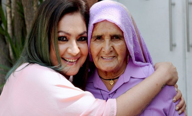 Actor-Director Pooja Bhatt with 82-year-old Chandro Tomar popularly known as Revolver Dadi...