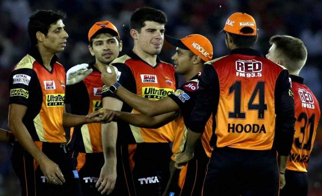 Ashish Nehra of Sunrisers Hyderabad celebrates the wicket of Manan Vohra of Kings XI Punjab...