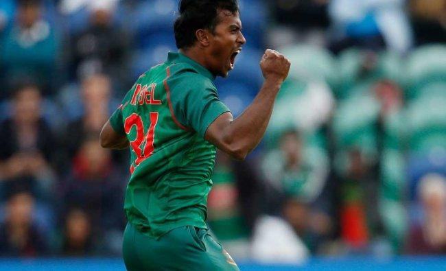 Bangladesh\'s Rubel Hossain celebrates taking the wicket of New Zealand\'s Martin Guptill