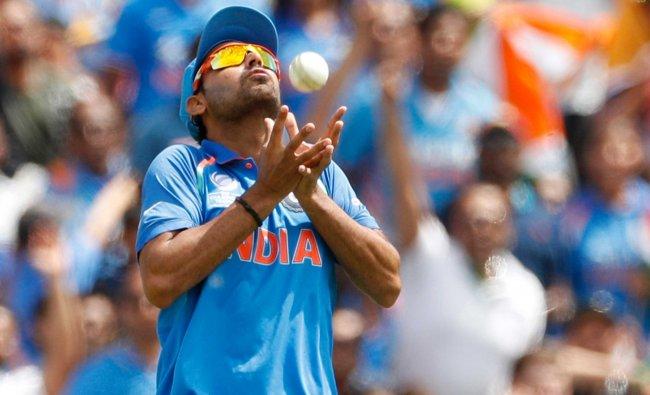 India\'s Bhuvneshwar Kumar catches South Africa\'s Christopher Morris