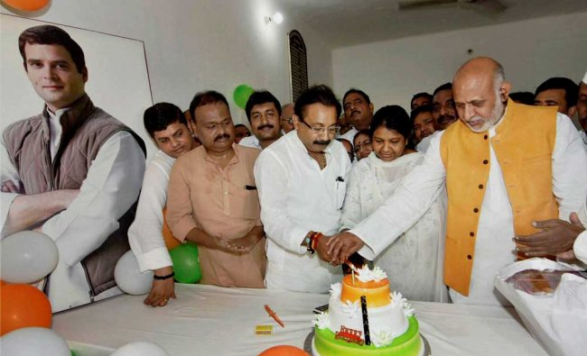 Bihar Congress President Ashok Chodhary with party leaders celebarting 47th birthday of Congress ...