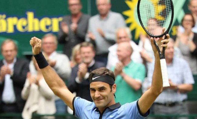 Switzerland\'s Roger Federer celebrates his victory in the final match against Germany\'s Alexander...