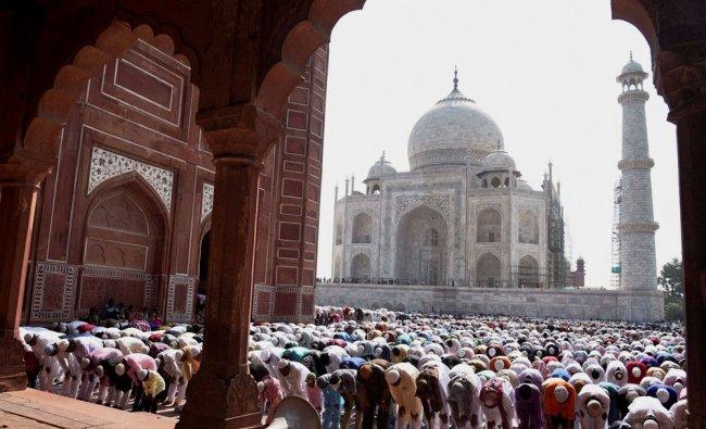 Muslims offering namaz at historical Taj Mahal on the occasion of Eid-ul-Fitr...