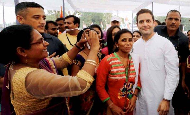 Congress Vice president Rahul Gandhi with the Asha health workers at Balanpala...