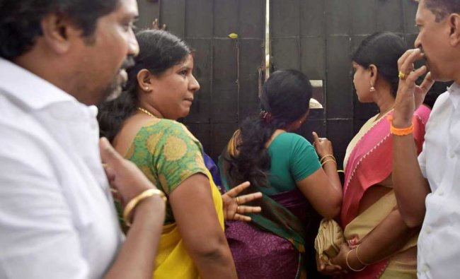 Relatives of wife of Vivek, Jaya TV CEO were not allowed inside the house of Jaya TV CEO during ...