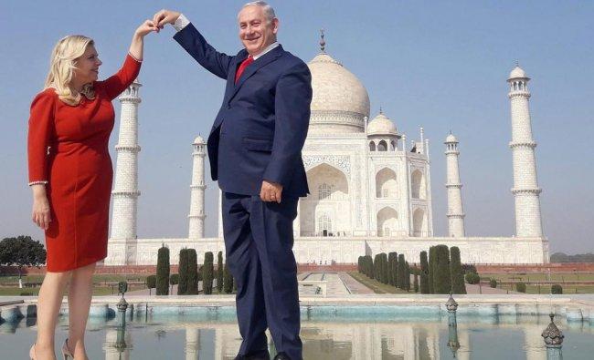 Israeli Prime Minister Benjamin Netanyahu and his wife Sara Netanyahu pose for a picture...