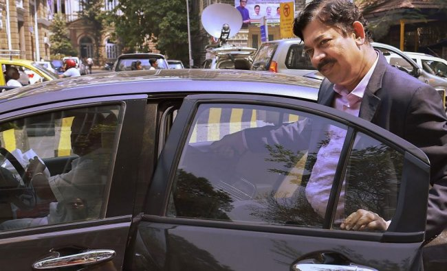 DMD Axis Bank V Srinivasan leaves after appearing before Serious Fraud Investigation Office (SFIO)..