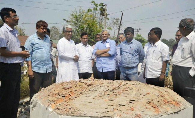 CPI(M) general secretary Sitaram Yechury and Tripura\'s former chief minister Manik Sarkar...