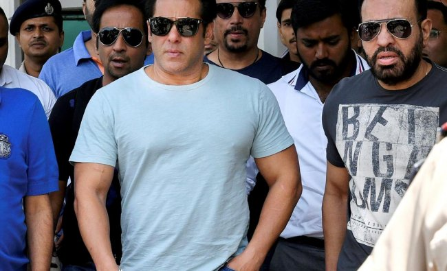 Bollywood actor Salman Khan arrives at Jodhpur airport on Sunday to appear before the Jodhpur court for a hearing in the Black Buck hunting case which will be on Monday. PTI