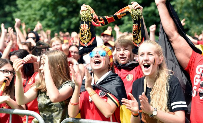 Belgian fans react as they watch the broadcast of the World Cup Group G soccer match between Belgium and Tunisia in Waterloo, Belgium June 23, 2018. REUTERS