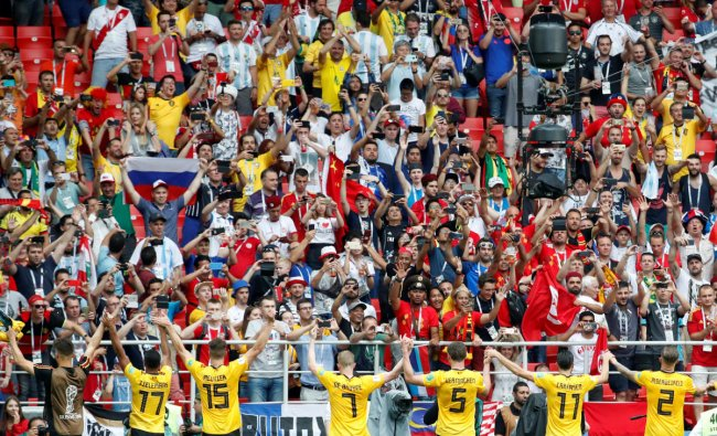 Soccer Football - World Cup - Group G - Belgium vs Tunisia - Spartak Stadium, Moscow, Russia - June 23, 2018 Belgium players applaud their fans after the match REUTERS
