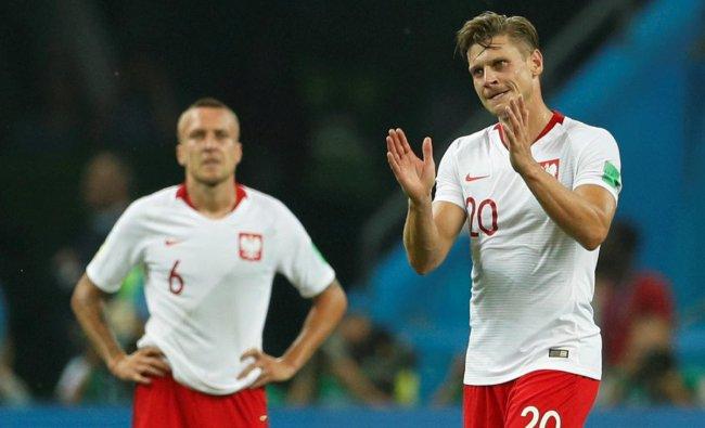 World Cup - Group H - Poland vs Colombia - Kazan Arena, Kazan, Russia - June 24, 2018 Poland\'s Lukasz Piszczek applauds their fans after the match. Reuters