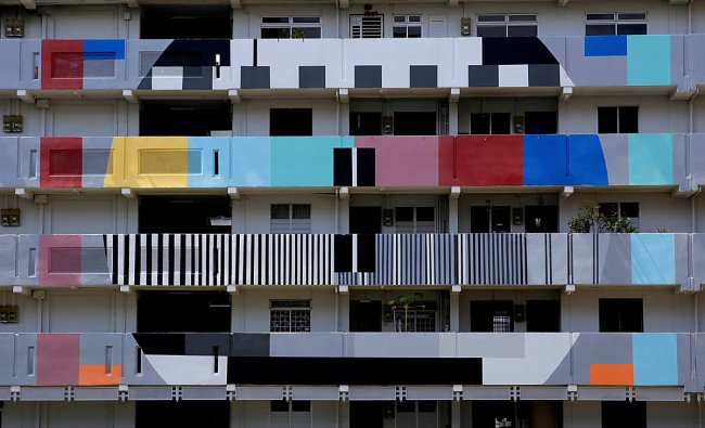 A public housing block is seen in Singapore September 23, 2018. Picture taken September 23, 2018. REUTERS/Thomas White