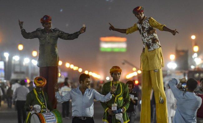 New Delhi: Artist perform on the last day of the \'Paryatan Parv\' in New Delhi, Thursday, Sept. 27, 2018. (PTI Photo/Ravi Choudhary)