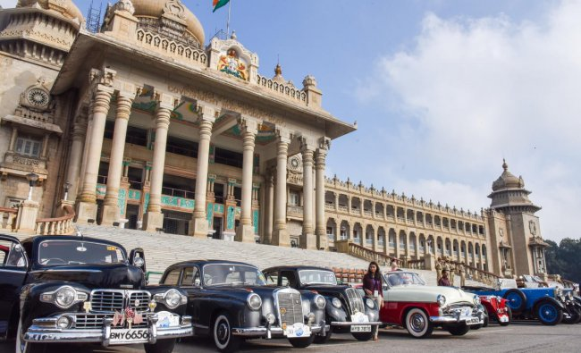 Vintage cars participate in the Heritage, Vintage and Royal Classic Car Drive, in Bengaluru. (DH Photo)