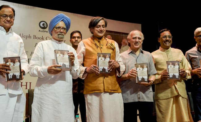Former prime minister Manmohan Singh, Congress leader P Chidambaram, former Union minister Arun Shourie, former diplomat Pavan Verma and former jounalist Ashutosh at the release the book \