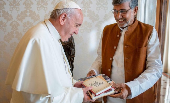 Nobel Peace Laureate Kailash Satyarthi meets Pope Francis during a call on, in Vatican City. PTI photo