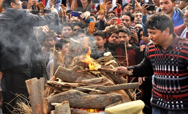 Kin of slain CRPF jawan Ajit Kumar Azad perform the last rites during his funeral, in Unnao, Saturday, Feb. 16, 2019. Kumar lost his life in Thursday\'s Pulwama terror attack (PTI Photo)