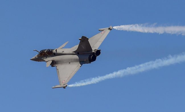 A Rafale fighter aircraft rehearses for fly-past ahead of 12th edition of AERO India 2019 at Yelahanka airbase in Bengaluru, Monday, Feb 18, 2019. (PTI Photo)