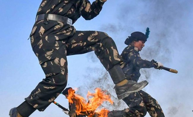 Bhopal: Police personnel of 23 Battalion Special Armed Force display their skills during the full dress rehearsal ahead of Women\'s Day celebration, in Bhopal, Tuesday, March 12, 2019. (PTI Photo)