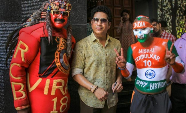 Cricket legend Sachin Tendulkar poses for photos with his fans he celebrates his 46th birthday at his residence at Bandra in Mumbai, Wednesday, April 24, 2019. (PTI Photo)