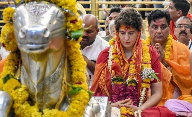 Congress General Secretary Priyanka Gandhi Vadra offers prayers at Mahakaleshwar Temple in Ujjain, Monday, May 13, 2019. (Twitter/PTI Photo)