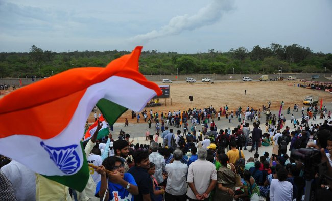 pace enthusiasts, students, general public cheers as they witness the GSLV Mark III, the rocket that is being used for the Chandrayaan-2 mission takes off from Satish Dhawan Space Centre (SDSC) SHAR, Sriharikota, on Monday. (DH Photo/ Pushkar V)